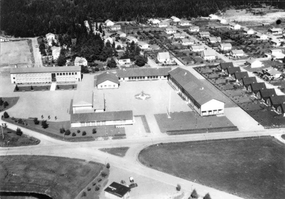 Flygfoto över Östervåla med Östervåla centralskola, Uppland 1965