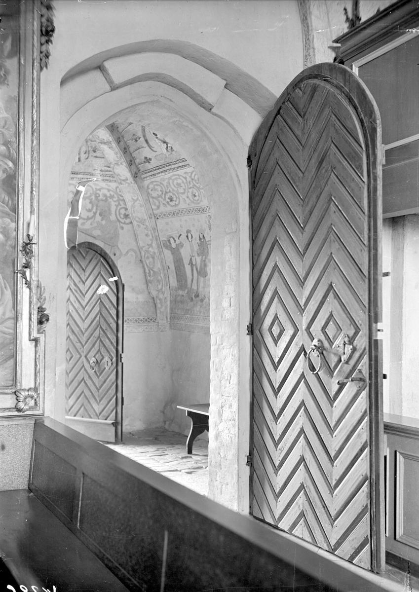 Interiör i Viksta kyrka, Viksta socken, Uppland 1935