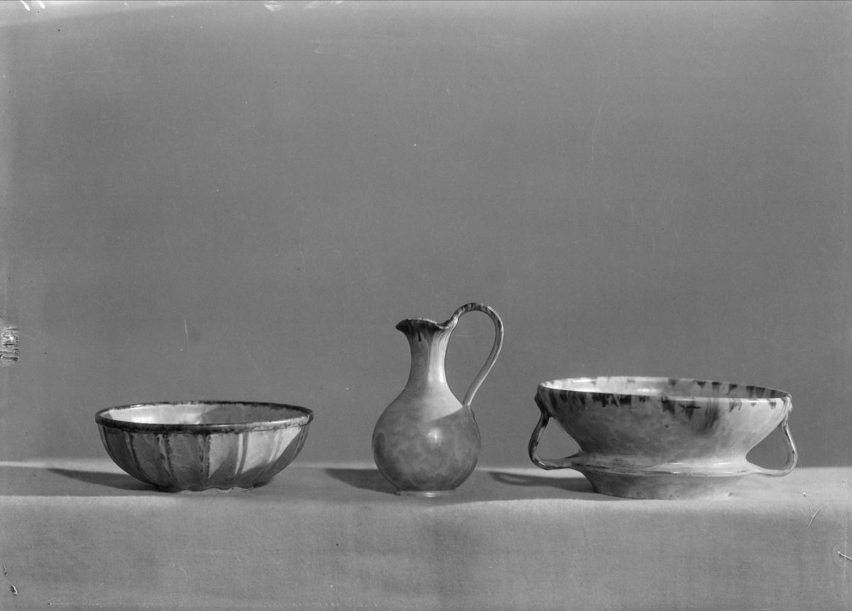 Keramikföremål från Upsala-Ekeby AB, Uppsala