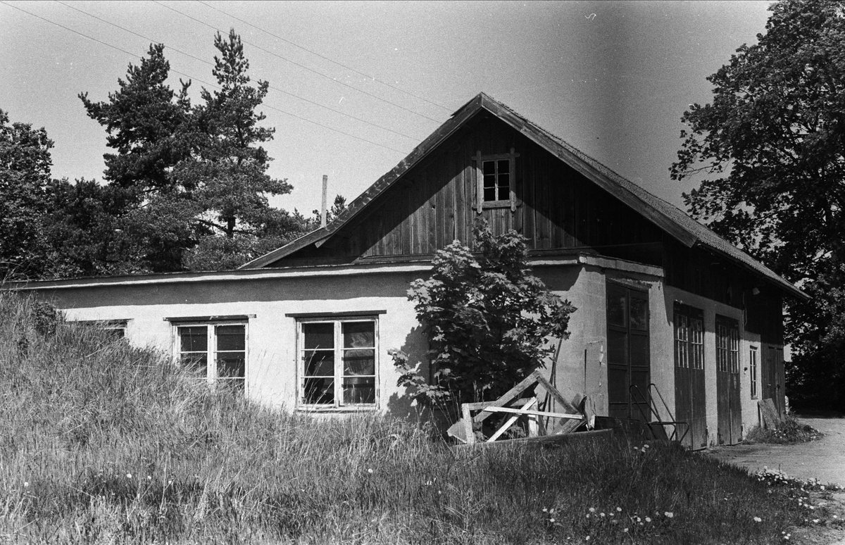 Bilverkstad, Täbo, Björklinge socken, Uppland