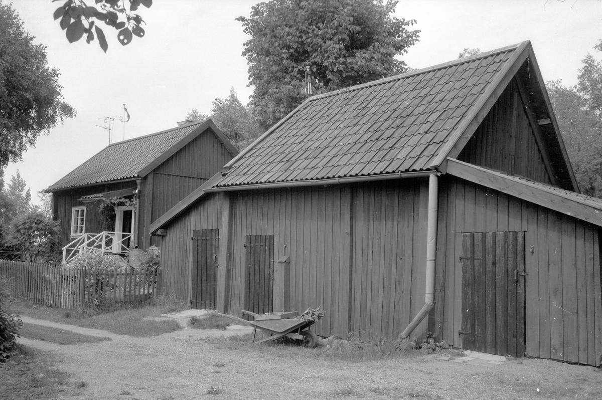 Bod och vedbod, Fullerö 23:27, Ekeby, Gamla Uppsala socken, Uppland 1977