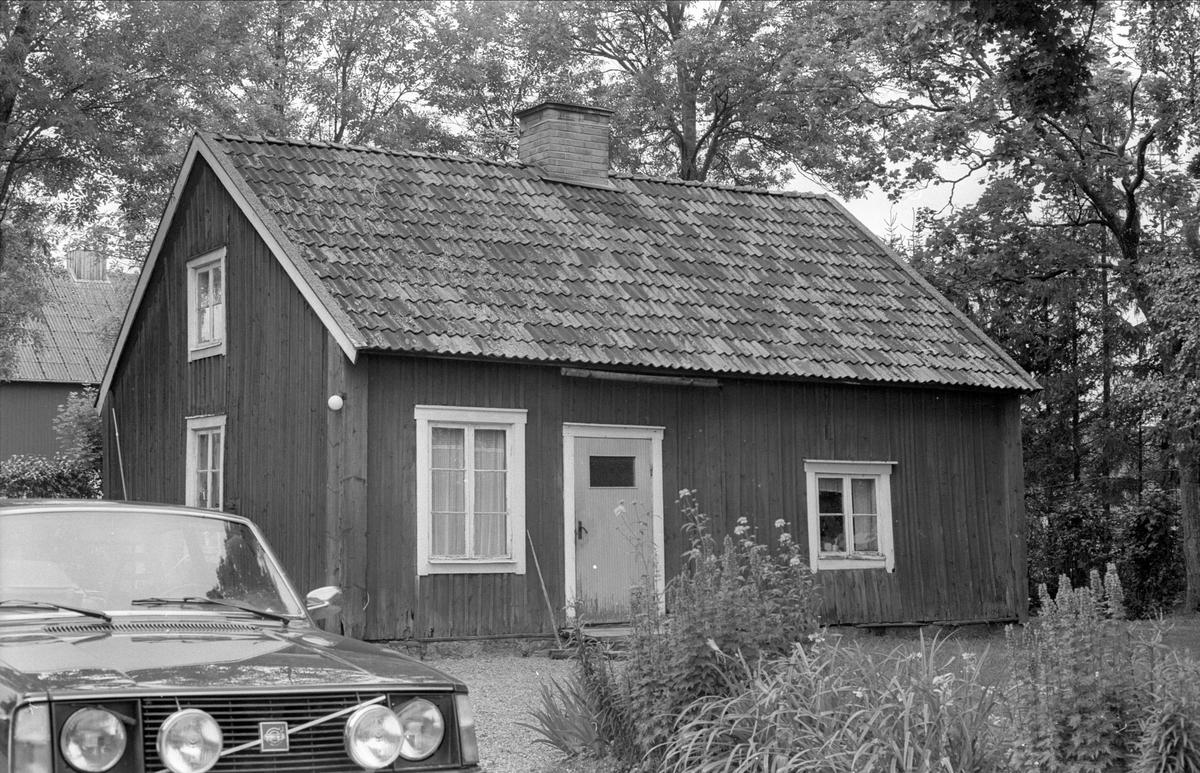 Bostadshus, Åkerby 1:5, Åkerby, Funbo socken, Uppland 1982