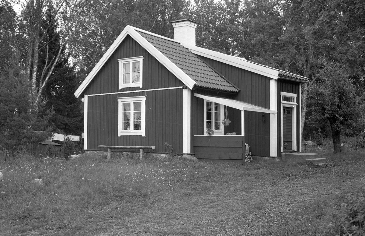 Sidokammarstuga, Anneberg, Rasbo socken, Uppland 1982