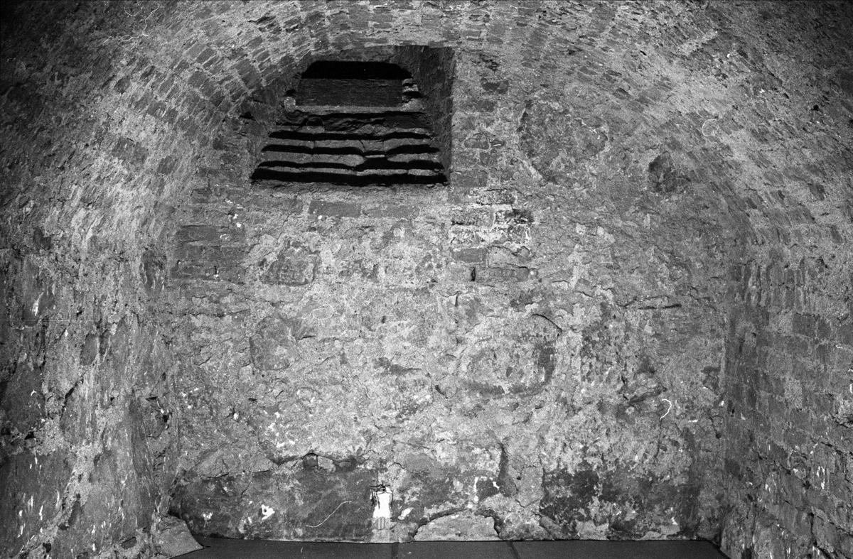 Östra gaveln i Biskopskökets källare på Biskops-Arnö, Övergrans socken, Uppland