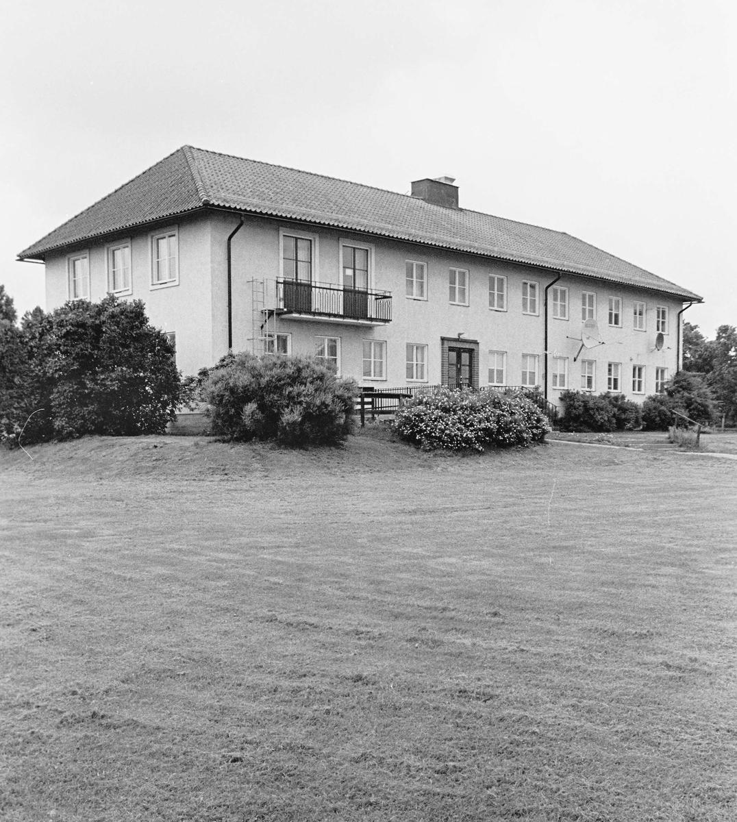 Hållnäs f d kommunalhus, Hållnäs socken, Uppland 2000