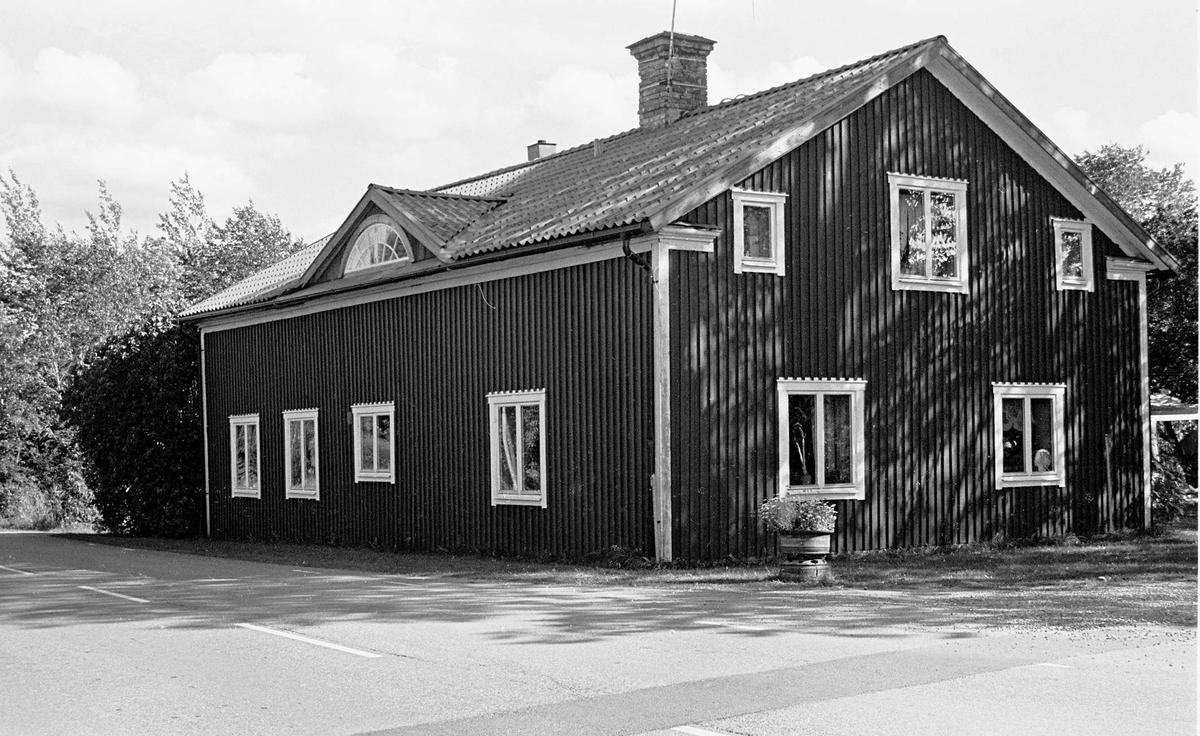 Mangårdsbyggnad uppförd omrking 1700, Nöttö, Västlands socken, Uppland 2000
