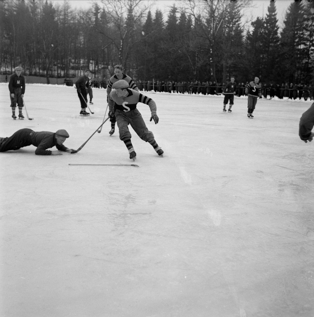 Bandy - IK Sirius - Morgongåva Sportklubb, Morgongåva, Uppland 1948 - 1949