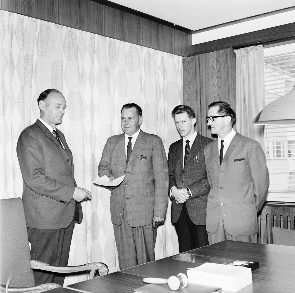 """Landstinget i presidium - """"fler elevhem krav i norra länsdelen"""", Uppsala juni 1965"""