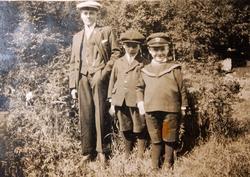 Tre brødre Ågedal fra Bjelland, nå Audnedal.