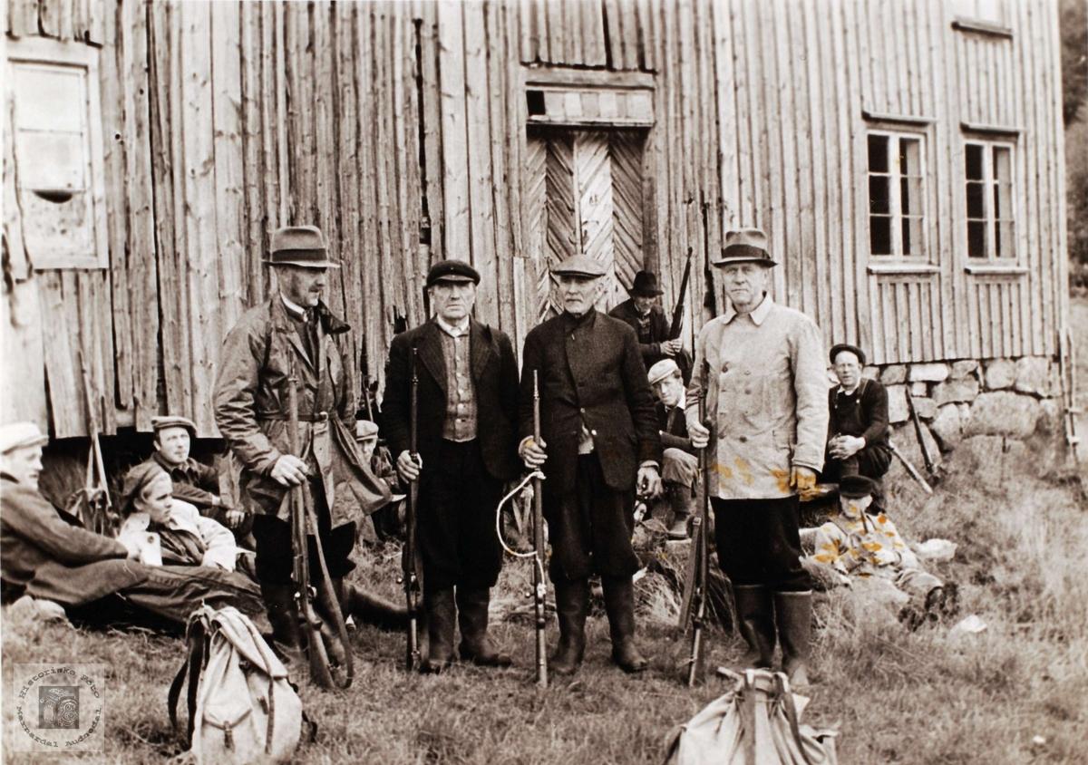 Pause i elgjakta på Kisland i Bjelland.