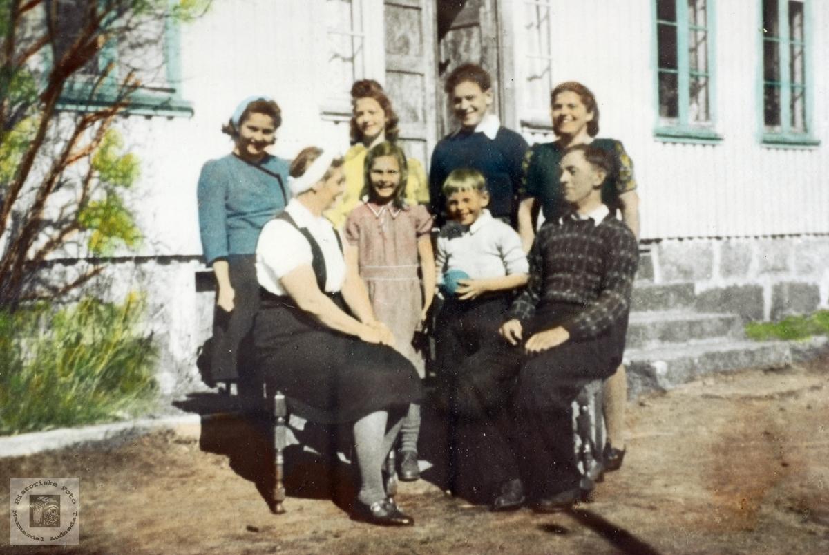 Familiebilde på Ytre Stedjan Grindheim Audnedal.