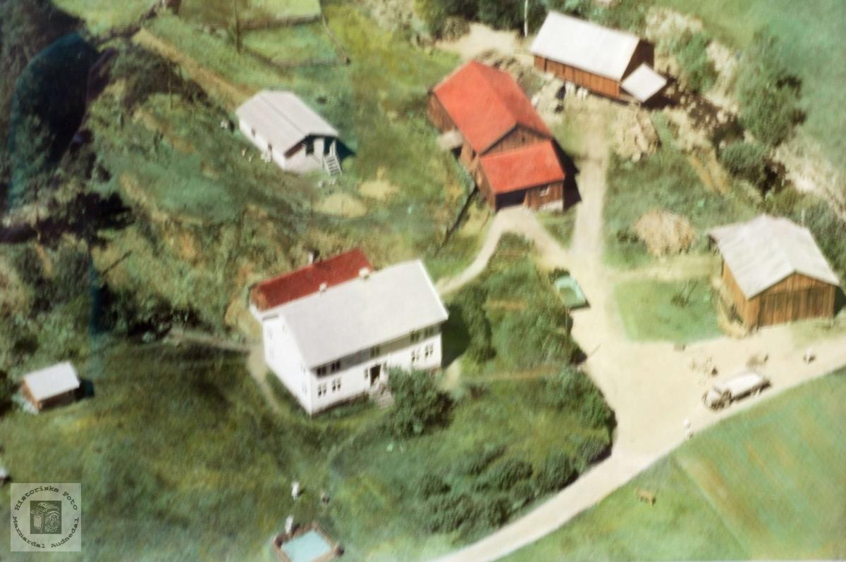 """Flyfoto fra """"Der ute"""" på Håland i Grindheim. Audnedal."""