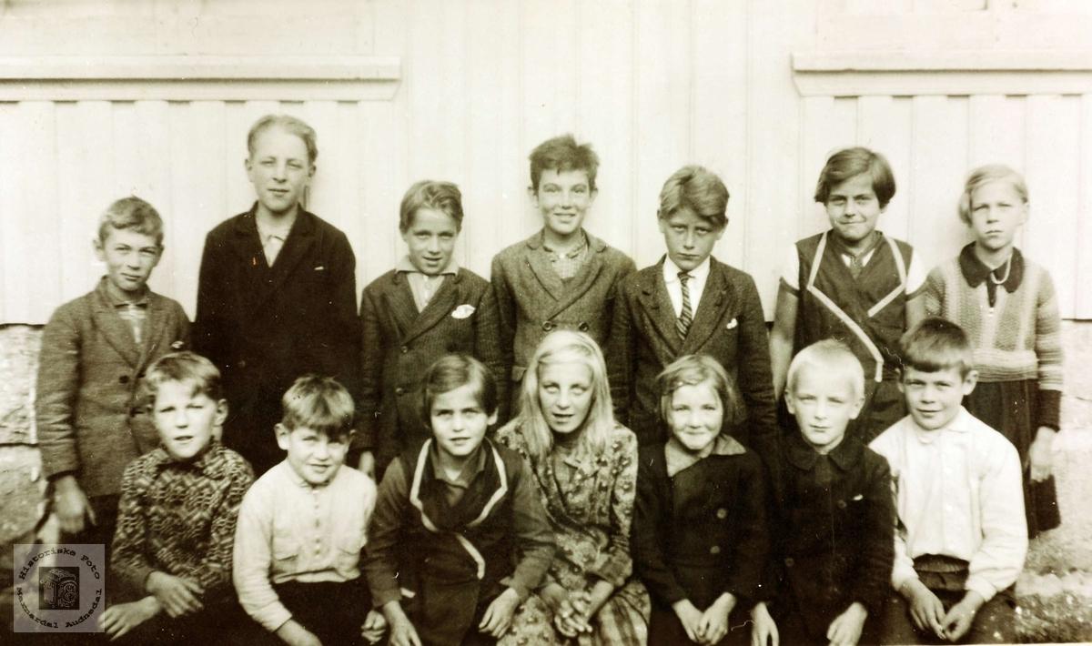 Skolebilde fra Øydna. Grindheim Audnedal.