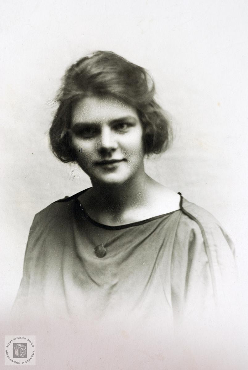 Portrett av Ingeborg Leland. Grindheim.