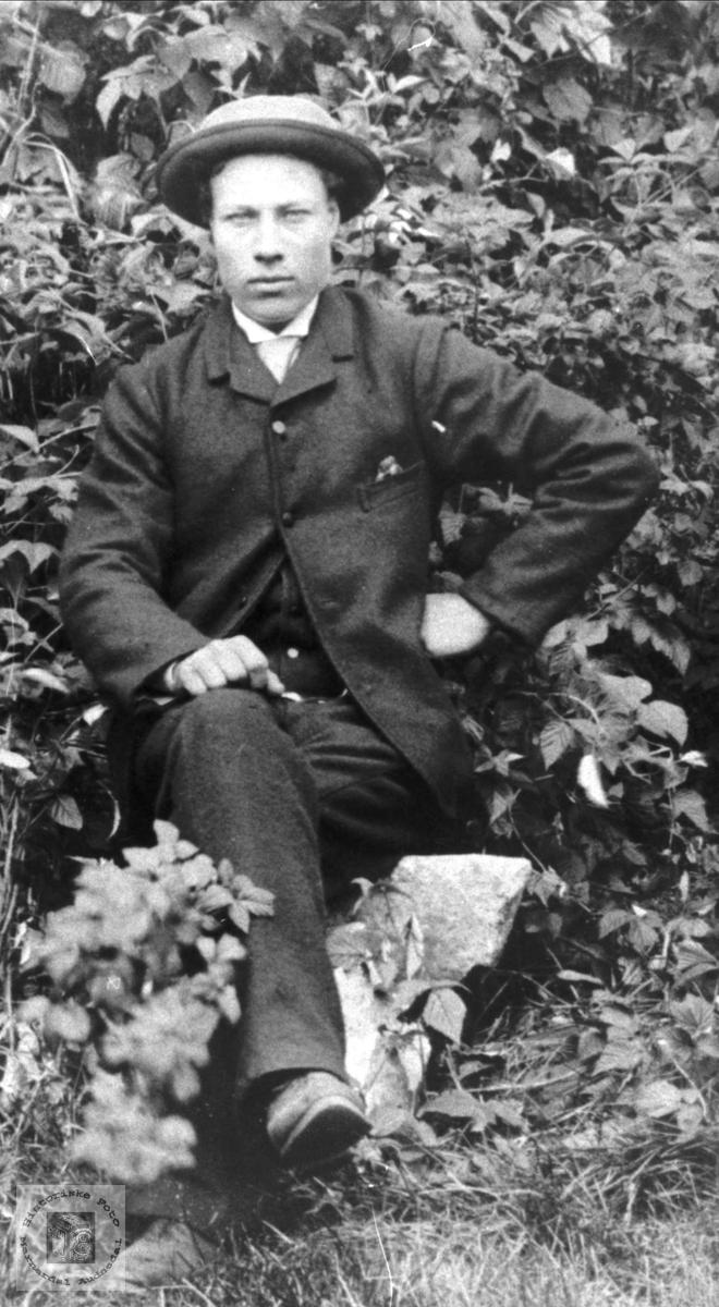 Portrett John Valebrokk med bosted USA men med røtter fra Bjelland.