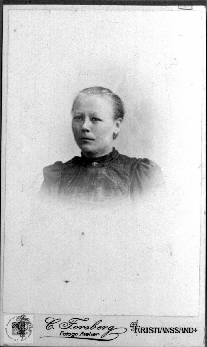 Portrett av Anne Gurine Haraldstad, Laudal.