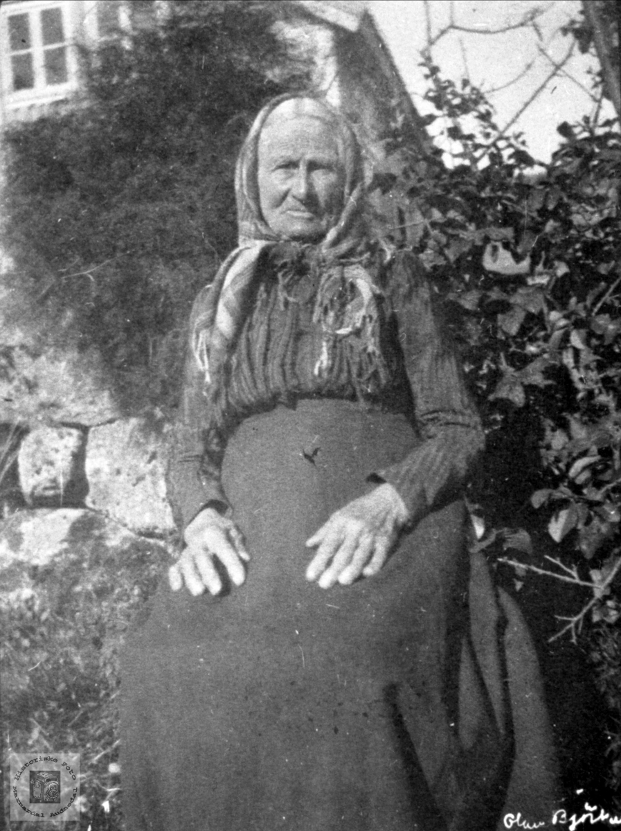 Portrett av Anna Gunleifsdtr. Haraldstad, Laudal.