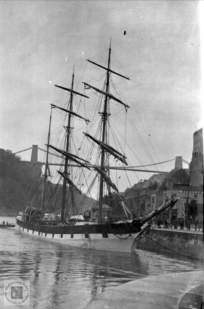 """Seilskuta """"Scrafton"""". I Bristol med mannskap fra Solkro, Finsland"""