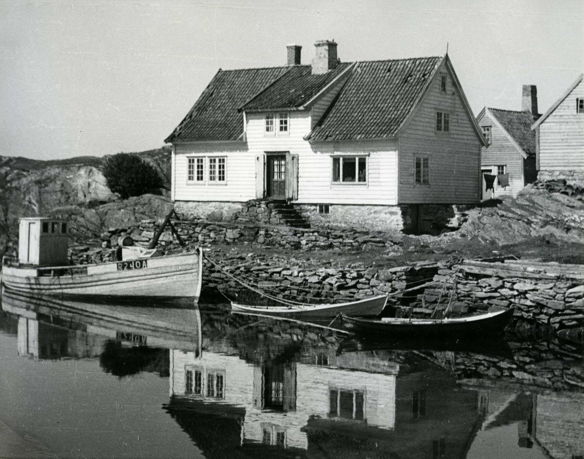 Gårdshus - småfartøy - havn