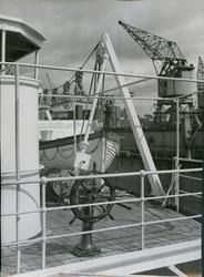 Ror og livbåt på dekk på cargolineren M/S Heina, B/N 488, ti