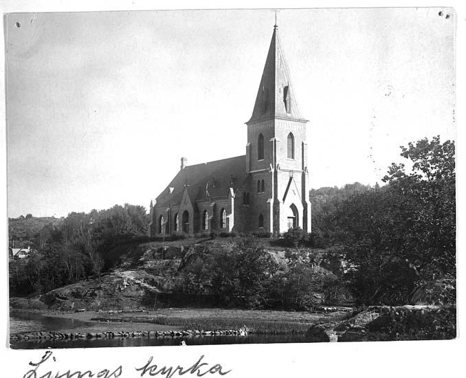 """Text på kortet: """"Ljungs kyrka""""."""