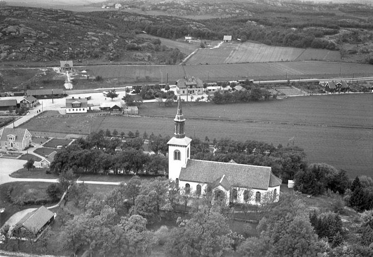 """Enligt Flygtrafik Bengtsfors: """"Ytterby kyrka Bohuslän""""."""