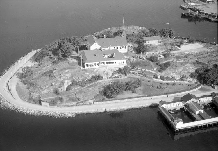 """Enligt AB Flygtrafik Bengtsfors: """"Strömstad Laholms rest. Bohuslän""""."""