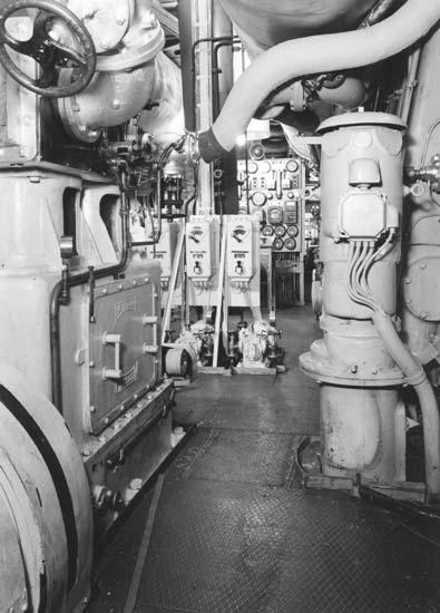Interiör från fartyg 113 M/T Islas Georgias, maskiner.