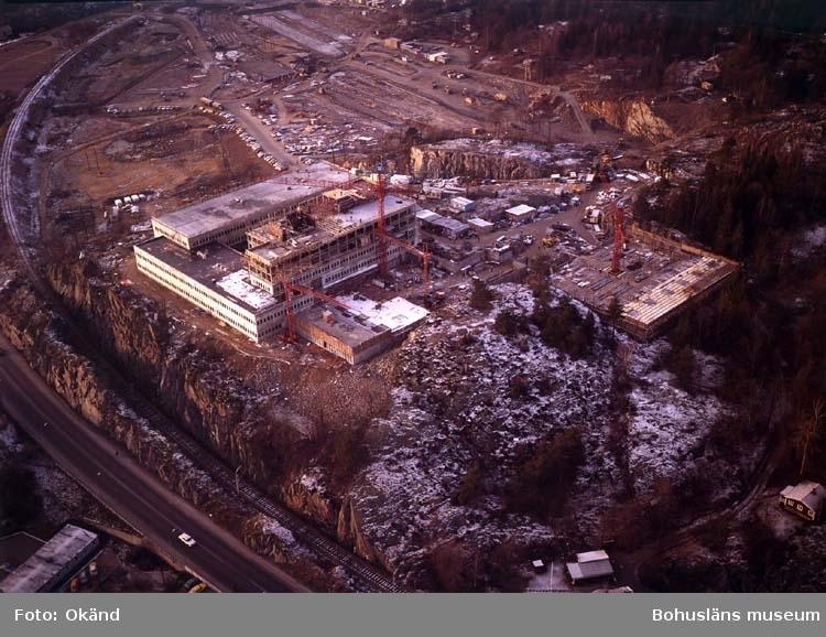 Huvudkontoret under byggnation.