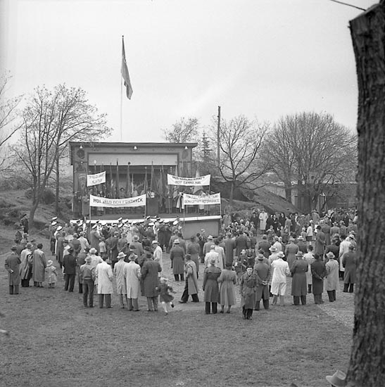 "Enligt notering: ""1 maj demonstration 1/5 1947""."