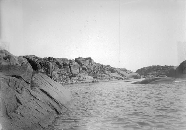 """Enligt text som medföljde bilden: """"Engelbert vid Stångehufud 6/5 1900."""" ::"""