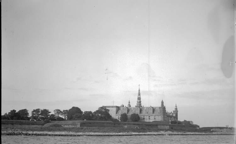 """Enligt text som medföljde bilden: """"Helsingör. Kronoborgs slott 2/10 1913."""""""