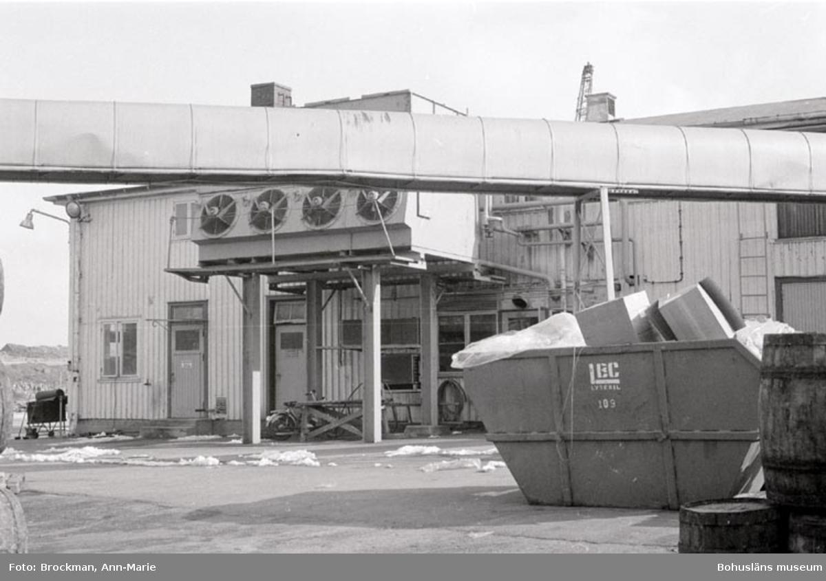 "Noteringar som medföljde bilden: ""Wittes Lysekil. Foto: Ann-Marie Brockman. 1979."""