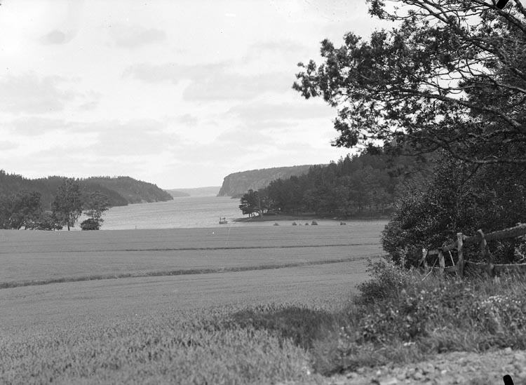 """Enligt fotografens noteringar: """"Sjön Kärn omkring år 1930. S.S."""""""