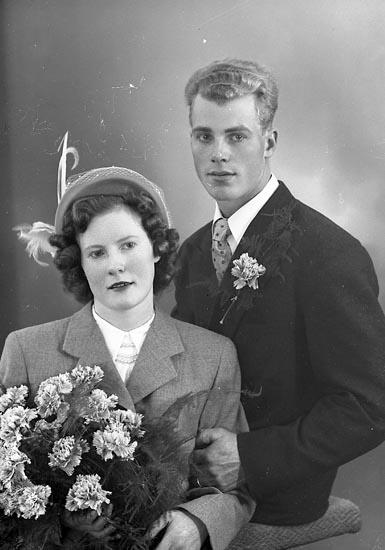 """Enligt fotografens journal nr 8 1951-1957: """"Andreasson, Herr Yngve Röd Spekeröd""""."""