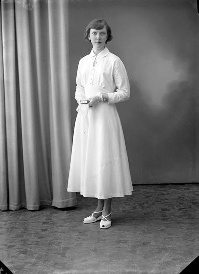 "Enligt fotografens journal nr 8 1951-1957: ""Brant, Anita Stenungsund""."