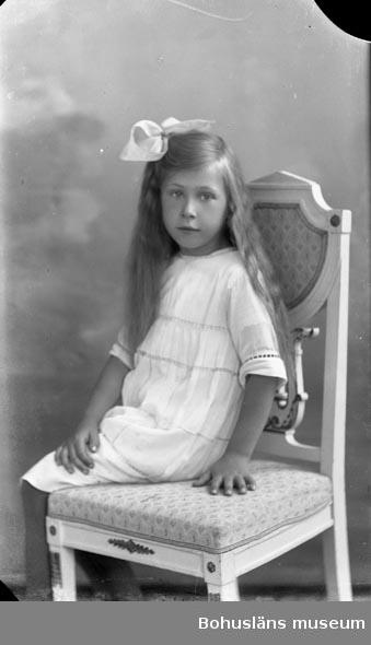 "Enligt fotografens journal nr 2 1909-1915: ""Ekeberg, Margit Hotellet Här""."