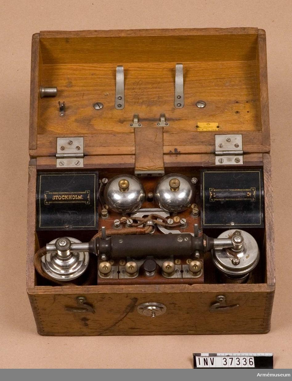 Telefonapparat m/1898. Grupp H I. Skjutbanetelefon; en föregångare till m/1912.