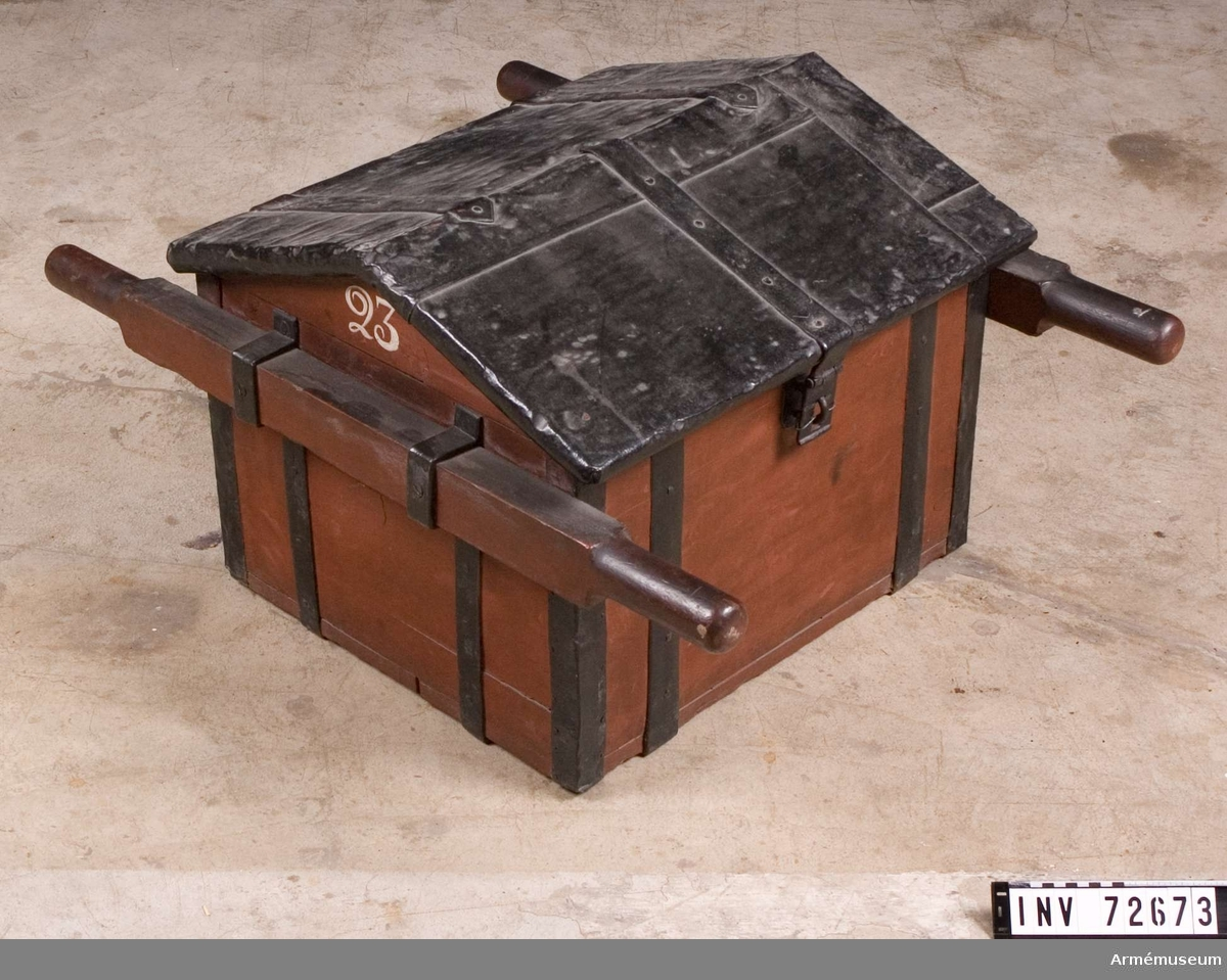 Grupp F III. Ammunitionskista för fältartilleriets större kalibrar, 1700-talets senare del.