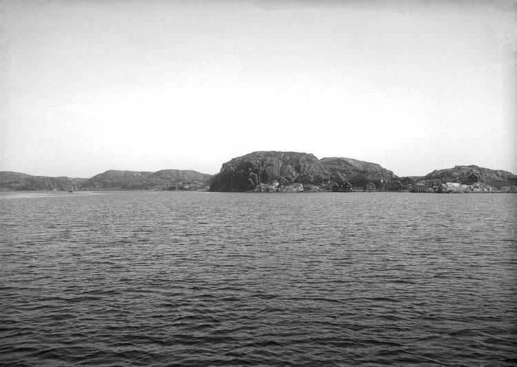 Juli 1924. Inloppet till Hamburgsund från söder.