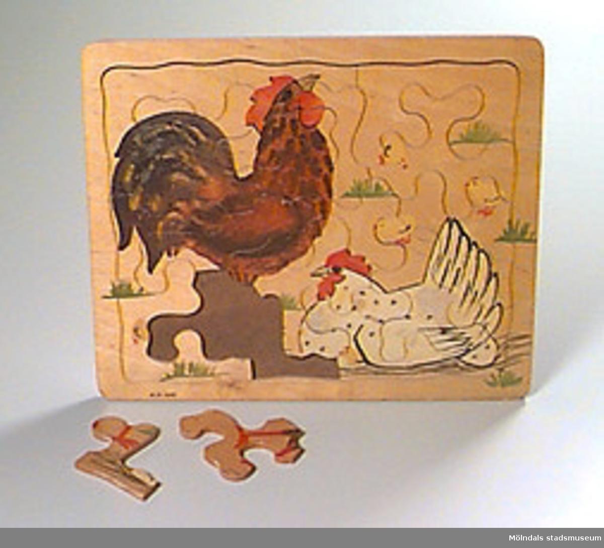 Motiv: tupp, höna, kycklingar.