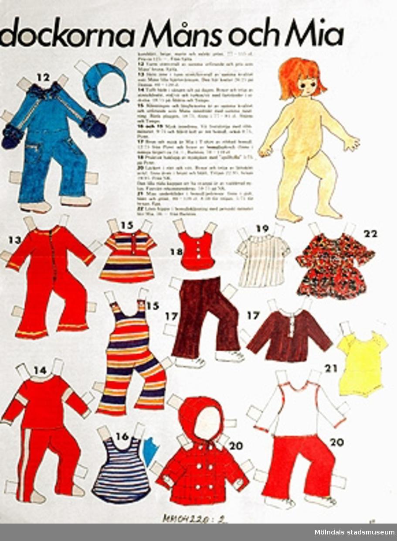 """Klippdocka Mia 1 1/2 år, outklippt uppslag ur Vecko-Revyn.""""För mor och barn - nya riktiga kläder! Måns 1/2 år och Mia 1 1/2 år. Kläderna finns att köpa i affärerna.""""Lista med köpställe och pris."""