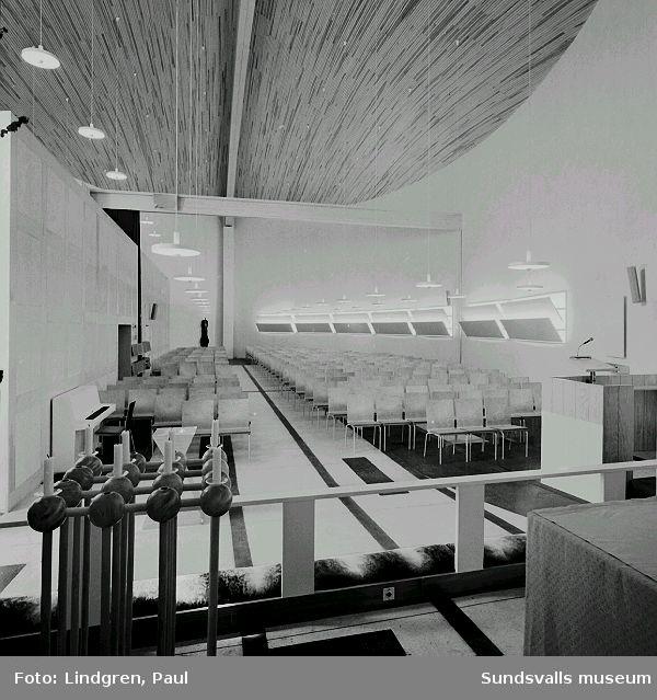 Interiör från Nacksta kyrka, ritad av arkitekt Peter Celsing, och invigd 1969.