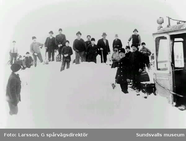 Spårvagn i snöyra på linjen Sundsvall-Ortviken.