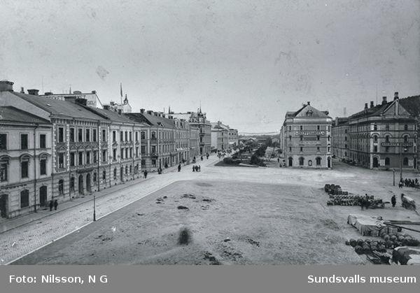 Sjögatan, Hamnplanen och Hamnmagasinen.