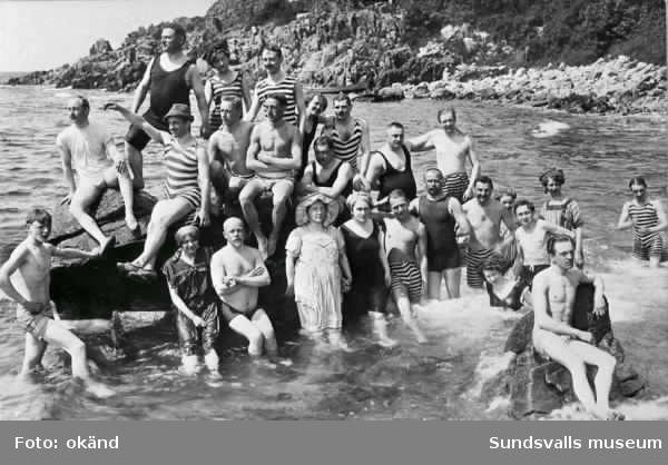 Badbild från 1920-talet. Fläsians badplats.