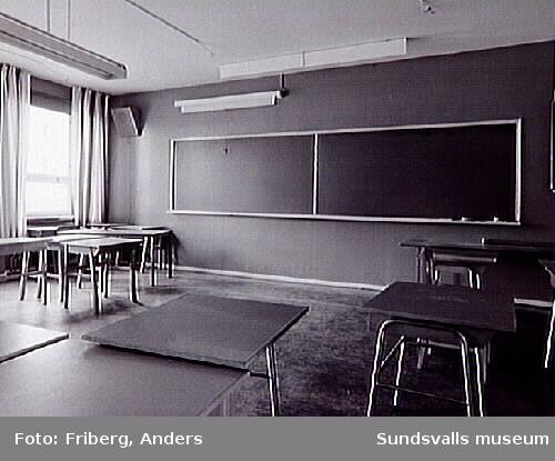 Alléskolan f d Handelsgymnasiet, före rivningen.
