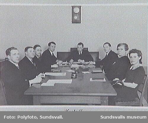Möte i Fattigvårdsstyrelsen, Krets II; fr. v. I. M. Johansson, Hjalmar Nyman, ordförande Bernh. Johansson, N. Andersson, C. Nilsson, G. Witt.