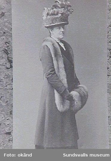 Anna Braathen, f Lous. Hustru till G P Braathen, ägare till Hofvids sågverk, Alnö.