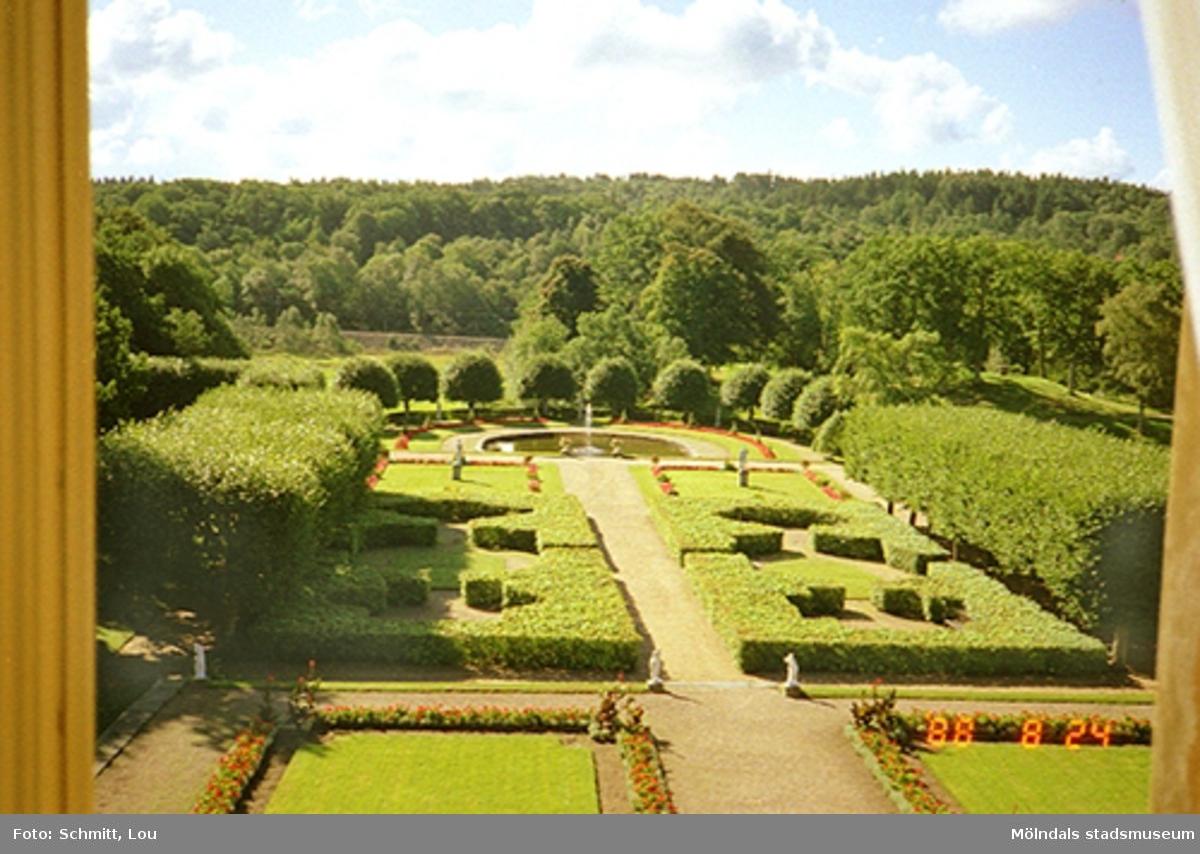 Vy över engelska stilparken (södra parken) från slottet.